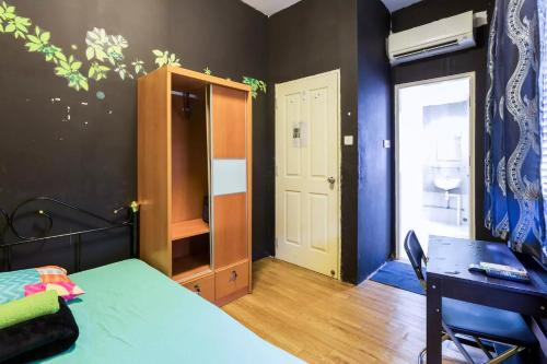 Heritage apartment: Master room +bathroom (3mth+)