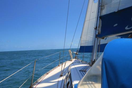 Veleiro Pantai Charter Sailboat