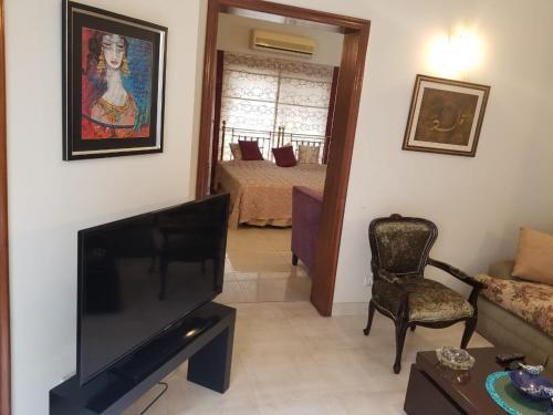 Lavish Ground Floor Private House