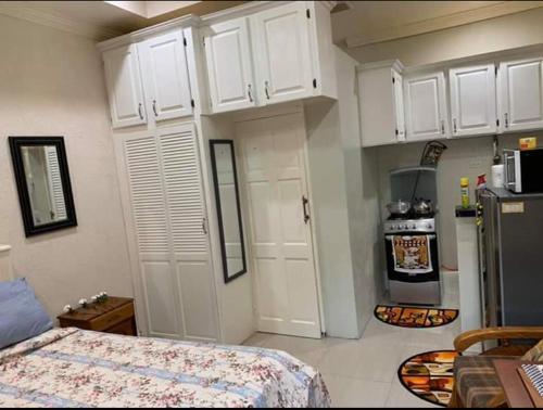 Nikky's apartment