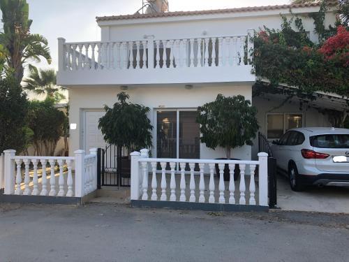 Georgimaria Luxury Sea Star Villa next to the beach
