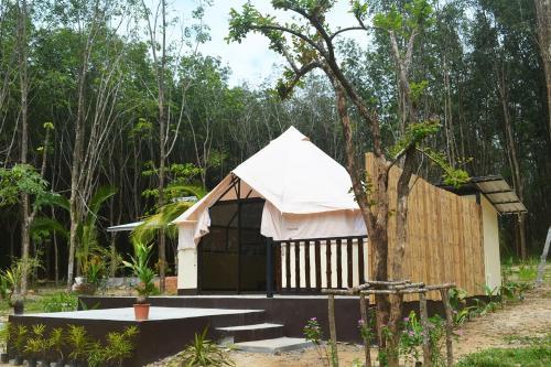 Camp Hadee Ko Yao Noi