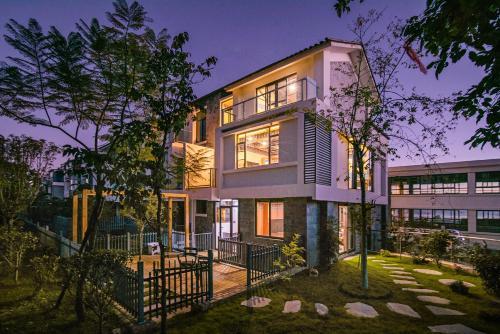 Shambhala Times Seaview Villa