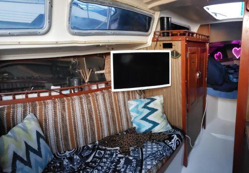 Small private yacht - Mission Bay Luxury Marina PB