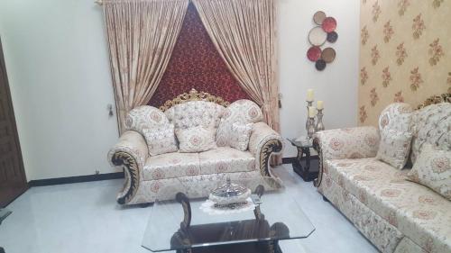 Luxury 10M House