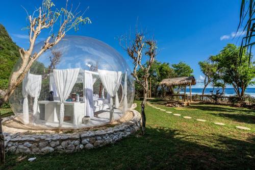 Oceanfront Bubbles Uluwatu
