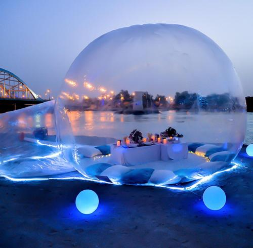 Bubble tent for couple to spend romantic time
