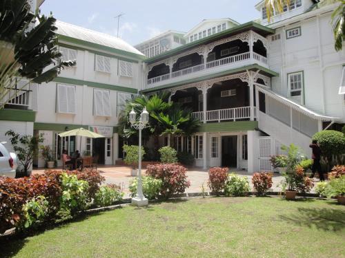 Cara Lodge Hotel