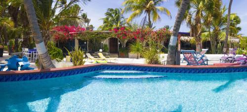 Beach House Aruba Apartments