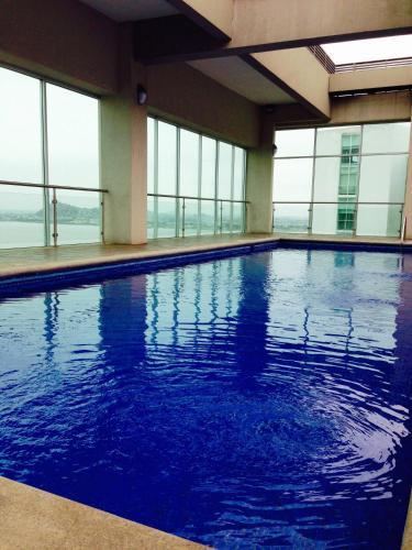 Luxury Suites Riverfront Gye