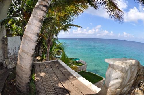 Sun Reef Village on Sea