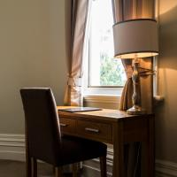 Simmers Serviced Apartments, hotel in Williamstown