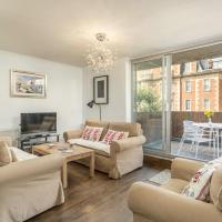 Elegant 3 bedroom flat close to Kensington Garden