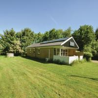 Three-Bedroom Holiday Home in Oster Assels