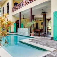Colonial Suite @ Mahogany Hall