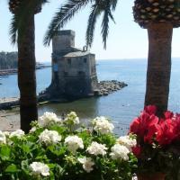 Davanti al Castello e al Mare