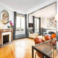 Large apartment between Montmartre and Opéra