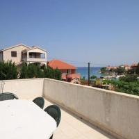Apartments by the sea Ugljan - 8301