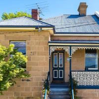 WEST NEST Stylish 3BR Hobart Terrace