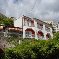 Maison Raphael