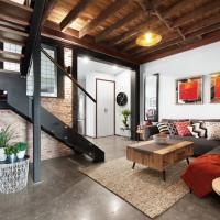 UNIQUE- Superb New York Loft Style 3 Bed Townhouse