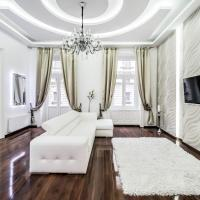 Opera Balkony Luxury Apartment
