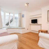 Spacious 2 Bed Flat by Hyde Park