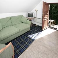 Pine Cottage 1
