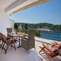 Golden view luxury apartment