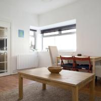Ground Floor Garden Flat 10 minutes from Princes Street