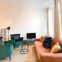 Luxurious Canalview APT with Patio CITY CENTRE