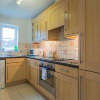 Walking distance to hospitals, warm apartment sleeps 7- Oceana Accommodation
