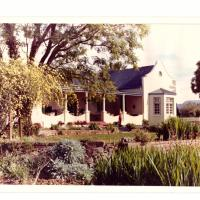 Roode Bloem Farm House