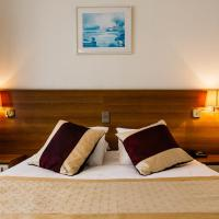 Hotel Prado, хотел в Остенде