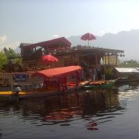 House Boat Nanga Parbat