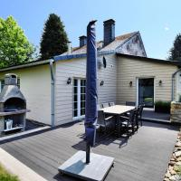 Modern Holiday Home in La Roche-en-Ardenne with Jacuzzi