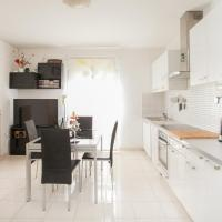 Apartment Nina , Bačvice Beach