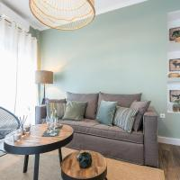 """""""SunBow Olive""""- Boutique Apartment in Dowtown Athens"""