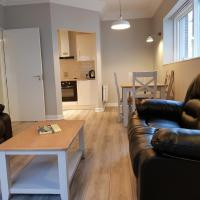2 Bed Apartment Near the 3 arena sleeps 4