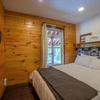 Black Squirrel Two-Bedroom Chalet
