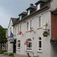 Airport Hotel Jägerhof Weeze </h2 </a <div class=sr-card__item sr-card__item--badges <div style=padding: 2px 0  <div class=bui-review-score c-score bui-review-score--smaller <div class=bui-review-score__badge aria-label=ได้ 8.2 คะแนน 8.2 </div <div class=bui-review-score__content <div class=bui-review-score__title ดีมาก </div </div </div   </div </div <div class=sr-card__item   data-ga-track=click data-ga-category=SR Card Click data-ga-action=Hotel location data-ga-label=book_window:  day(s)  <svg alt=ที่ตั้งของที่พัก class=bk-icon -iconset-geo_pin sr_svg__card_icon height=12 width=12<use xlink:href=#icon-iconset-geo_pin</use</svg <div class= sr-card__item__content   วีเซอ • <span 250 ม. </span  จากใจกลาง </div </div </div </div </div </li <div data-et-view=cJaQWPWNEQEDSVWe:1</div <li id=hotel_606555 data-is-in-favourites=0 data-hotel-id='606555' class=sr-card sr-card--arrow bui-card bui-u-bleed@small js-sr-card m_sr_info_icons card-halved card-halved--active   <div data-href=/hotel/de/best-deal-gmbh-in-gra1-4ndung.th.html onclick=window.open(this.getAttribute('data-href')); target=_blank class=sr-card__row bui-card__content data-et-click=  <div class=sr-card__image js-sr_simple_card_hotel_image has-debolded-deal js-lazy-image sr-card__image--lazy data-src=https://q-cf.bstatic.com/xdata/images/hotel/square200/96893016.jpg?k=918915199c0e9dee88038e156cce5f7748b83543cf133244d2f698c5c801458e&o=&s=1,https://r-cf.bstatic.com/xdata/images/hotel/max1024x768/96893016.jpg?k=4a106cd92858c0738a99d8b2d414ae35977505795a7deab1cf6ad3255366f085&o=&s=1  <div class=sr-card__image-inner css-loading-hidden </div <noscript <div class=sr-card__image--nojs style=background-image: url('https://q-cf.bstatic.com/xdata/images/hotel/square200/96893016.jpg?k=918915199c0e9dee88038e156cce5f7748b83543cf133244d2f698c5c801458e&o=&s=1')</div </noscript </div <div class=sr-card__details data-et-click=     data-et-view=  <div class=sr-card_details__inner <a href=/hotel/de/best-deal-gmbh-in-gra1-4ndung.th.html onclick=event.stopPropagation(); target=_blank <h2 class=sr-card__name u-margin:0 u-padding:0 data-ga-track=click data-ga-category=SR Card Click data-ga-action=Hotel name data-ga-label=book_window:  day(s)  Best Deal Airporthotel Weeze </h2 </a <div class=sr-card__item sr-card__item--badges <div style=padding: 2px 0  <div class=bui-review-score c-score bui-review-score--smaller <div class=bui-review-score__badge aria-label=ได้ 7.5 คะแนน 7.5 </div <div class=bui-review-score__content <div class=bui-review-score__title ดี </div </div </div   </div </div <div class=sr-card__item   data-ga-track=click data-ga-category=SR Card Click data-ga-action=Hotel location data-ga-label=book_window:  day(s)  <svg alt=ที่ตั้งของที่พัก class=bk-icon -iconset-geo_pin sr_svg__card_icon height=12 width=12<use xlink:href=#icon-iconset-geo_pin</use</svg <div class= sr-card__item__content   วีเซอ • <span 5 กม. </span  จากใจกลาง </div </div </div </div </div </li <div data-et-view=cJaQWPWNEQEDSVWe:1</div <li id=hotel_1582397 data-is-in-favourites=0 data-hotel-id='1582397' class=sr-card sr-card--arrow bui-card bui-u-bleed@small js-sr-card m_sr_info_icons card-halved card-halved--active   <div data-href=/hotel/de/heeser-spargelhof.th.html onclick=window.open(this.getAttribute('data-href')); target=_blank class=sr-card__row bui-card__content data-et-click=  <div class=sr-card__image js-sr_simple_card_hotel_image has-debolded-deal js-lazy-image sr-card__image--lazy data-src=https://q-cf.bstatic.com/xdata/images/hotel/square200/58885847.jpg?k=b0b8d6036becd54b7cdae1b648890937ba4bf6ee3d8a1b890e6785fb86612101&o=&s=1,https://r-cf.bstatic.com/xdata/images/hotel/max1024x768/58885847.jpg?k=e1e01e920d7134c75e083376f435ea0384172d418f283029fd4eef7b36037a75&o=&s=1  <div class=sr-card__image-inner css-loading-hidden </div <noscript <div class=sr-card__image--nojs style=background-image: url('https://q-cf.bstatic.com/xdata/images/hotel/square200/58885847.jpg?k=b0b8d6036becd54b7cdae1b648890937ba4bf6ee3d8a1b890e6785fb86612101&o=&s=1')</div </noscript </div <div class=sr-card__details data-et-click=     data-et-view=  <div class=sr-card_details__inner <a href=/hotel/de/heeser-spargelhof.th.html onclick=event.stopPropagation(); target=_blank <h2 class=sr-card__name u-margin:0 u-padding:0 data-ga-track=click data-ga-category=SR Card Click data-ga-action=Hotel name data-ga-label=book_window:  day(s)  Heeser Spargelhof </h2 </a <div class=sr-card__item sr-card__item--badges <div class= sr-card__badge sr-card__badge--class u-margin:0  data-ga-track=click data-ga-category=SR Card Click data-ga-action=Hotel rating data-ga-label=book_window:  day(s)  <span class=bh-quality-bars bh-quality-bars--small   <svg class=bk-icon -iconset-square_rating color=#FEBB02 fill=#FEBB02 height=12 width=12<use xlink:href=#icon-iconset-square_rating</use</svg<svg class=bk-icon -iconset-square_rating color=#FEBB02 fill=#FEBB02 height=12 width=12<use xlink:href=#icon-iconset-square_rating</use</svg<svg class=bk-icon -iconset-square_rating color=#FEBB02 fill=#FEBB02 height=12 width=12<use xlink:href=#icon-iconset-square_rating</use</svg </span </div   <div style=padding: 2px 0  <div class=bui-review-score c-score bui-review-score--smaller <div class=bui-review-score__badge aria-label=ได้ 9.5 คะแนน 9.5 </div <div class=bui-review-score__content <div class=bui-review-score__title แสนวิเศษ </div </div </div   </div </div <div class=sr-card__item   data-ga-track=click data-ga-category=SR Card Click data-ga-action=Hotel location data-ga-label=book_window:  day(s)  <svg alt=ที่ตั้งของที่พัก class=bk-icon -iconset-geo_pin sr_svg__card_icon height=12 width=12<use xlink:href=#icon-iconset-geo_pin</use</svg <div class= sr-card__item__content   วีเซอ • <span 6 กม. </span  จากใจกลาง </div </div </div </div </div </li <li class=bui-card bui-u-bleed@small bh-quality-sr-explanation-card <div class=bh-quality-sr-explanation <span class=bh-quality-bars bh-quality-bars--small   <svg class=bk-icon -iconset-square_rating color=#FEBB02 fill=#FEBB02 height=12 width=12<use xlink:href=#icon-iconset-square_rating</use</svg<svg class=bk-icon -iconset-square_rating color=#FEBB02 fill=#FEBB02 height=12 width=12<use xlink:href=#icon-iconset-square_rating</use</svg<svg class=bk-icon -iconset-square_rating color=#FEBB02 fill=#FEBB02 height=12 width=12<use xlink:href=#icon-iconset-square_rating</use</svg </span ตัวบอกระดับคุณภาพแบบใหม่สำหรับที่พักสไตล์บ้านพักและอพาร์ตเมนต์บน Booking.com <button type=button class=bui-link bui-link--primary aria-label=Open Modal data-modal-id=bh_quality_learn_more data-bui-component=Modal <span class=bui-button__textดูข้อมูลเพิ่มเติม</span </button </div <template id=bh_quality_learn_more <header class=bui-modal__header <h1 class=bui-modal__title id=myModal-title data-bui-ref=modal-title ระดับคุณภาพ </h1 </header <div class=bui-modal__body bui-modal__body--primary bh-quality-modal <h3 class=bh-quality-modal__heading <span class=bh-quality-bars bh-quality-bars--small   <svg class=bk-icon -iconset-square_rating color=#FEBB02 fill=#FEBB02 height=12 width=12<use xlink:href=#icon-iconset-square_rating</use</svg<svg class=bk-icon -iconset-square_rating color=#FEBB02 fill=#FEBB02 height=12 width=12<use xlink:href=#icon-iconset-square_rating</use</svg<svg class=bk-icon -iconset-square_rating color=#FEBB02 fill=#FEBB02 height=12 width=12<use xlink:href=#icon-iconset-square_rating</use</svg<svg class=bk-icon -iconset-square_rating color=#FEBB02 fill=#FEBB02 height=12 width=12<use xlink:href=#icon-iconset-square_rating</use</svg<svg class=bk-icon -iconset-square_rating color=#FEBB02 fill=#FEBB02 height=12 width=12<use xlink:href=#icon-iconset-square_rating</use</svg </span