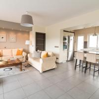 Three-Bedroom Apartment with Acropolis view
