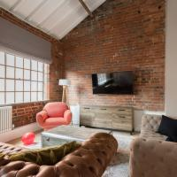 The Warehouse Loft - Trendy Converted Warehouse 3BDR