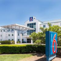 Motel 6-Irving, TX - DFW Airport North, hotel near Dallas-Fort Worth International Airport - DFW, Irving