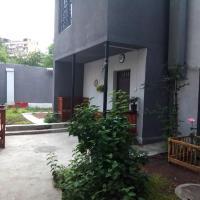 Apri Hostel