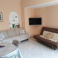 Two Bedrooms Top Center Apartment with Parking