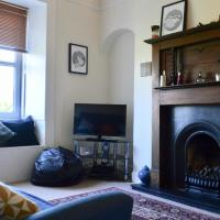 Modern 1 Bedroom Flat With Traditional Features