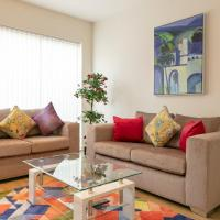 Cambridge Addenbrookes Townhouse with Free Parking - 10 mins walk to Papworth & Addenbrookes hospitals