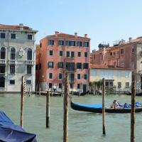 Charming Apartment On Grand Canal