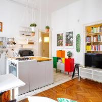 Colorful apartment Milan City Center